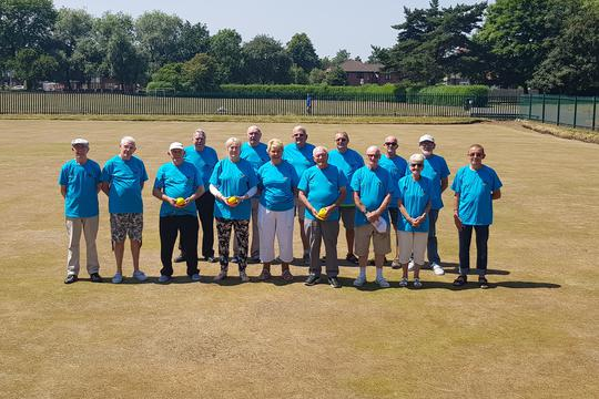 Albert Park bowlers in their new t-shirts courtesy of Salix Homes